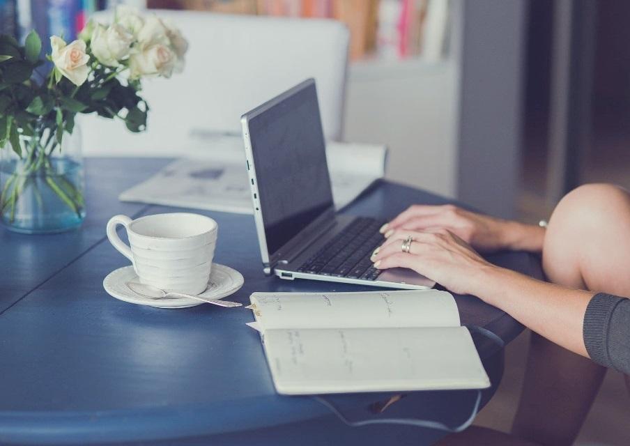 Devenir web entrepreneur : gagner sa vie grâce à Internet